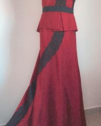 فستان عودي محمر