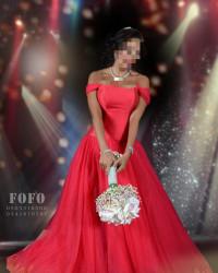 فستان ملكه أحمر